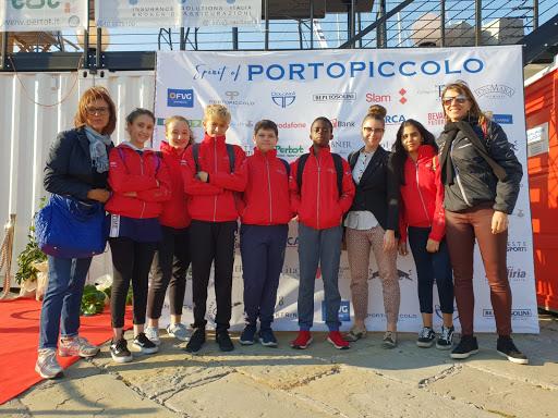 Gli alunni premiati di +Sport a Scuola alla Barcolana 50